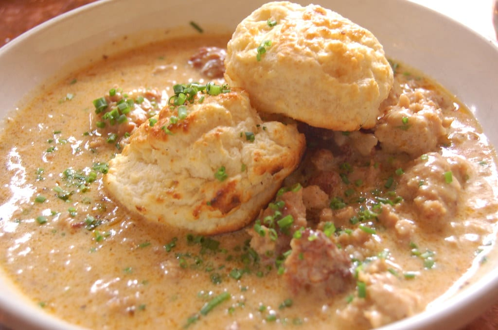 vegan biscuits and gravy recipe